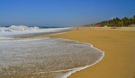 Afgezonderd strand dichtbij Acapulco, Mexico Royalty-vrije Stock Afbeeldingen