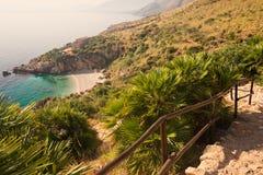 Afgezonderd strand in Lo-Zingaro NP dichtbij Scopello in Sicilië Stock Fotografie