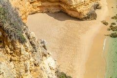 Afgezonderd strand in Portugal royalty-vrije stock foto