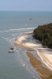 Afgezonderd strand in Thailand stock foto