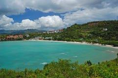 Afgezonderd tropisch strand op Grenada Stock Afbeelding