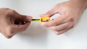 Afiladura de un lápiz almacen de metraje de vídeo