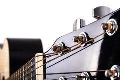 Afinadores da corda da guitarra acústica e close up do pescoço Foto de Stock Royalty Free