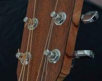 Afinadores da guitarra acústica imagem de stock royalty free