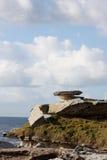 Afloramento de rocha litoral Imagens de Stock