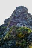 Afloramiento de roca dentado Imagen de archivo libre de regalías