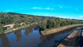 Afluência dos rios vídeos de arquivo