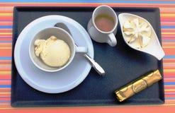 Afogato słuzyć w kawiarni w Dinant, Belgia Obraz Stock