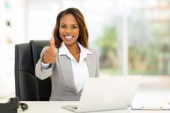 Afrian businesswoman thumb up Royalty Free Stock Photography