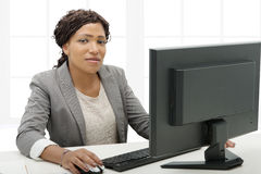 African American business woman working with computer Royalty Free Stock Photography