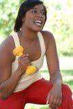African-American Oudoors de exercício fêmea Imagens de Stock