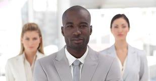 African-americangeschäftsmann mit zwei Kollegen Stockfoto