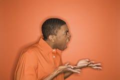 African-Americanmann, der Zorn ausdrückt. Lizenzfreies Stockfoto