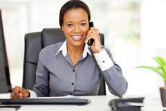 African businesswoman phone Royalty Free Stock Images
