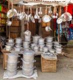 Africano che cucina i vasi Fotografia Stock