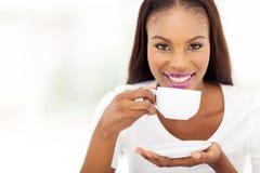 Africanwoman咖啡 免版税库存图片