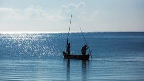 Afrika, Kenia, vissers, ochtend, oceaan, vissers in een boot, Mombasa Stock Afbeelding