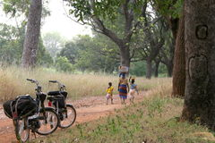 Afrika met bromfietsen Royalty-vrije Stock Foto