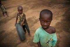 Afrika Sierra Leone, den lilla byn av Mabendo royaltyfria bilder