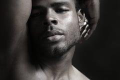 Afrikaans Amerikaans leuk zwart jonge mensenportret royalty-vrije stock fotografie
