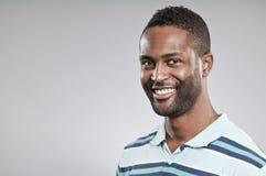 Afrikaans Amerikaans Mens het Glimlachen Portret stock foto's
