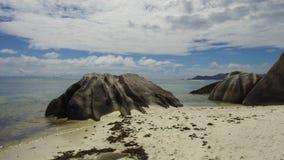 Afrikaans eilandstrand in Indische Oceaan stock video