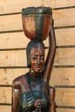 Afrikaans Met de hand gemaakt Etnisch Houten Standbeeld royalty-vrije stock foto