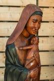 Afrikaans Met de hand gemaakt Etnisch Houten Standbeeld royalty-vrije stock afbeelding