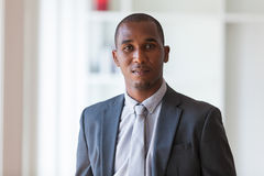 Afrikaanse Amerikaanse bedrijfsmens - Zwarte mensen royalty-vrije stock foto