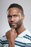 Afrikaanse Amerikaanse Mens Betroffen Uitdrukking stock afbeeldingen
