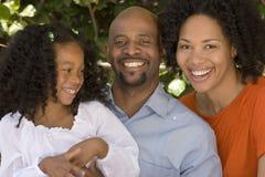 Afrikaanse Amerikaanse moeder en vader en hun daugher Stock Fotografie