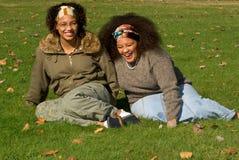 Afrikaanse Amerikaanse tienermeisjes Stock Fotografie