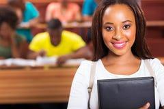 Afrikaanse Amerikaanse universitaire student stock foto's