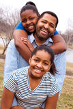 Afrikaanse Amerikaanse vader en zijn jonge dochters Royalty-vrije Stock Afbeeldingen