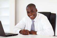 Afrikaanse Amerikaanse zakenman royalty-vrije stock fotografie