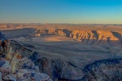 Afrikaanse landschappen - de Canion van de Vissenrivier, Namibië stock afbeeldingen