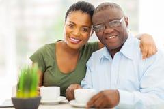 Afrikaanse meisjesvader royalty-vrije stock foto's