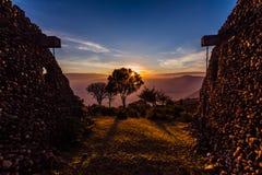 Afrikaanse mening van zonsopgang in Ngorongoro-Krater Royalty-vrije Stock Foto