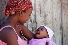 Afrikaanse moeder royalty-vrije stock fotografie