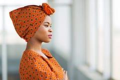 Afrikaanse traditionele onderneemster royalty-vrije stock afbeeldingen