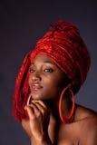 Afrikaanse vrouw met headwrap Stock Foto's