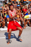 Afrikaanse vrouwelijke traditionele danser Stock Foto's