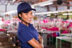Afrikaanse vrouwelijke werknemer Stock Foto's