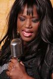 Afrikaanse vrouwelijke zanger Royalty-vrije Stock Afbeelding