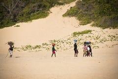 Afrikaanse vrouwen op het strand Royalty-vrije Stock Afbeeldingen