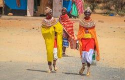 Afrikaanse vrouwen van de Samburu-stam verwant aan de Masai-stam in nationale juwelen royalty-vrije stock afbeelding