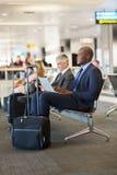Afrikaanse zakenmanluchthaven Royalty-vrije Stock Foto's