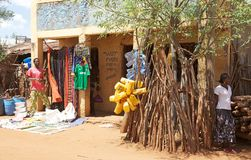 Afrikanen shoppar Arkivfoto