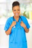Afrikanische Arzthelferin stockbild