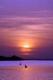Afrikanische Fischer am Sonnenuntergang Stockbild